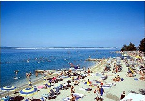 beach crni molo crikvenica