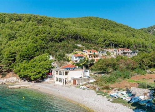 Apartmani Antonio - Bogomolje - otok Hvar A1 (4+1) 22321-A1