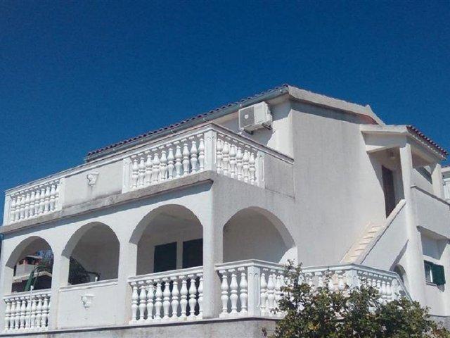 Apartman Zvonimir -  Nečujam - otok Šolta (4+2) 75691-A1